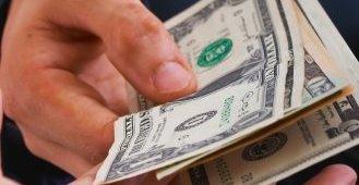imprumuti bani prietenilor
