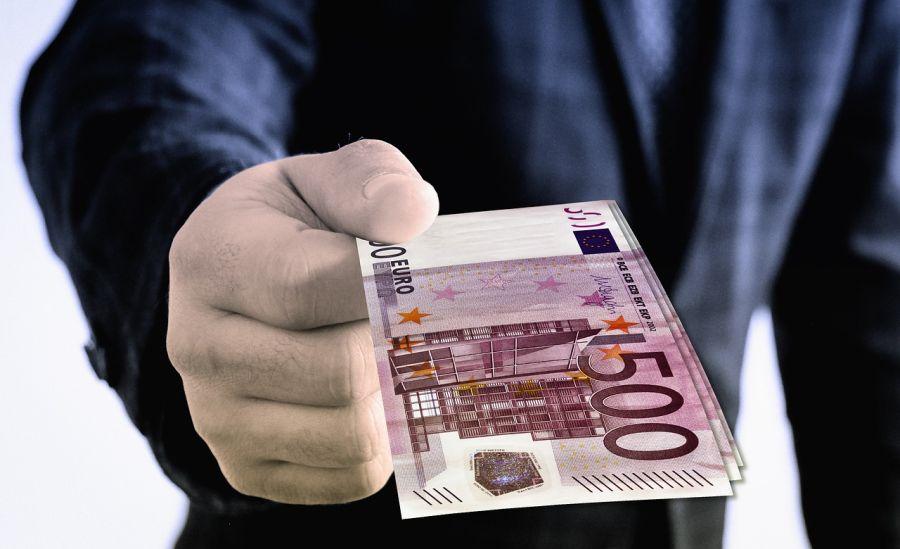 împrumuta bani pe valută