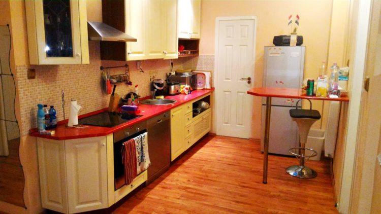 Am avut o bucatarie complet echipata, care s-a dovedit extrem de utila.