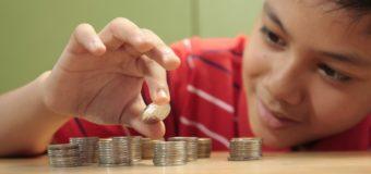 Cum vorbim cu copiii mici despre bani (și de ce este important să o facem)